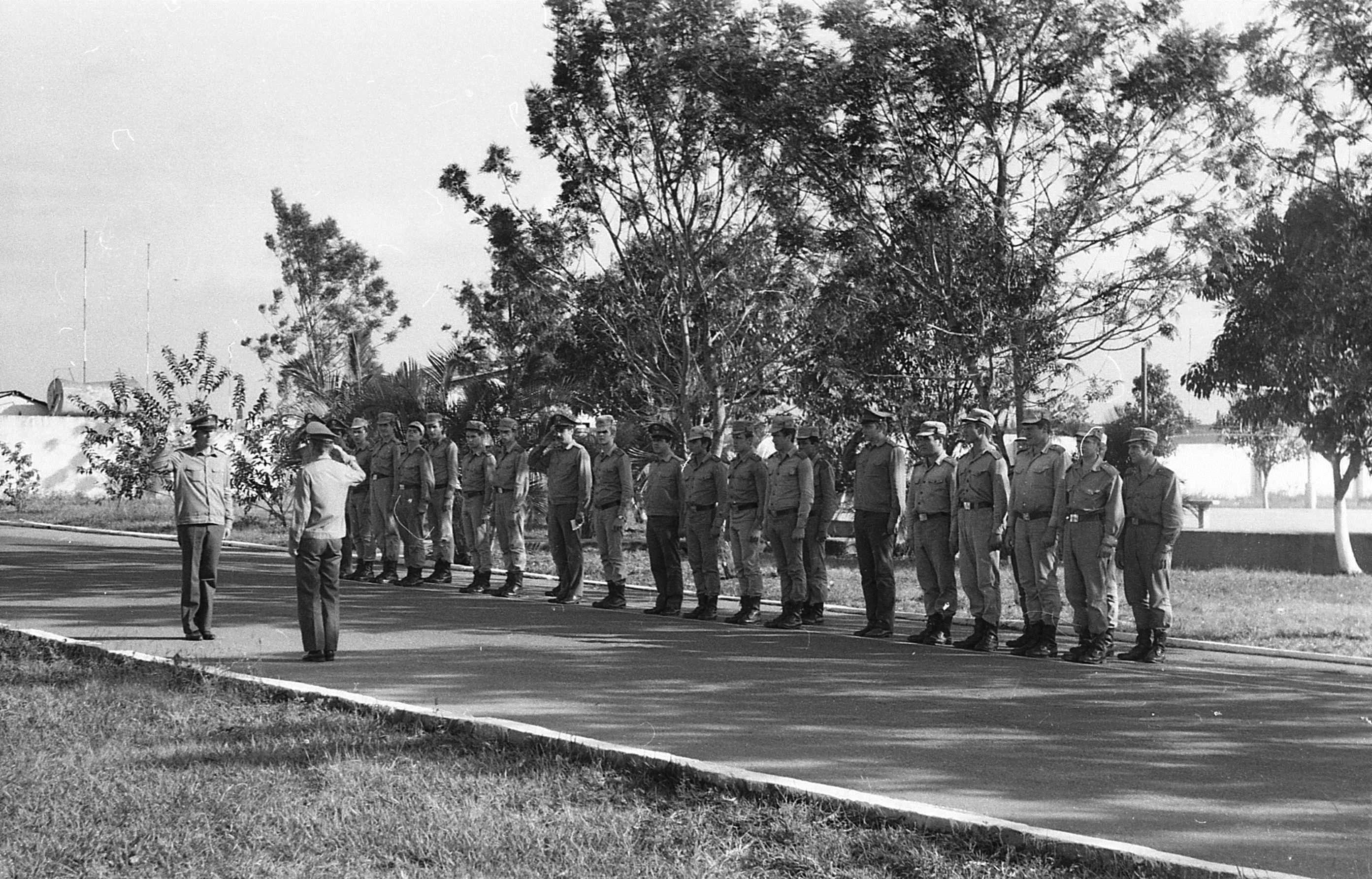 Фото в военной форме чтобы было видно стоящий член 3 фотография