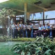 Музыкальная группа в школе имени Ленина. Гавана