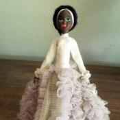 Кукла сувенирная в национальном костюме