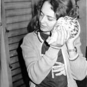 1984. Инна Леонова с ракушкой