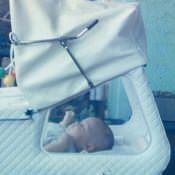 1987. Март. Кристина Леонова коляске на балконе.