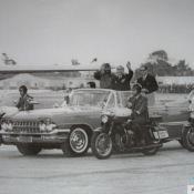 1974. Леонид Ильич Брежнев и Фидель Кастро в аэропорту. Площадь Независимости.