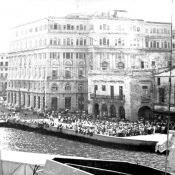 1969-07-20. Кубинцы встречают отряд советских кораблей
