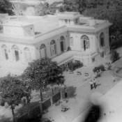 Зона отдыха «Чайка», вид на бассейн и главное здание