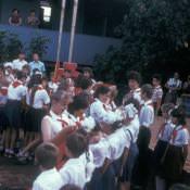 Линейка во дворе школы в Колорадо. Прием в пионеры. 1987.