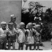 1981 год. Детский утренний на площадке за 9 Роло. Фото 1.