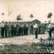 Построение полка связи. 1962. Чико. Командир полка связи, Шохин. Рядом с ним замполит.