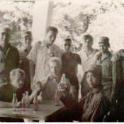 «Кубинские курсанты и советские инструкторы в учебном центре»