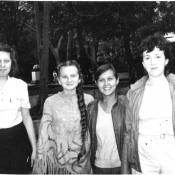 1985 год (Ирена Ганина, Аня Втулочкина, ???, Елена Кононюк)