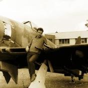 На фоне самолета Т3