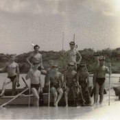 Наиболее активные пловцы – подводники на самодельной лодке в бухте Кабаньяс. Куба. Апрель – май 1963 года.