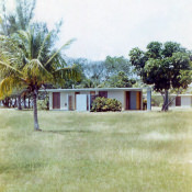 Коттедж на Плайя-Ларго, 1976