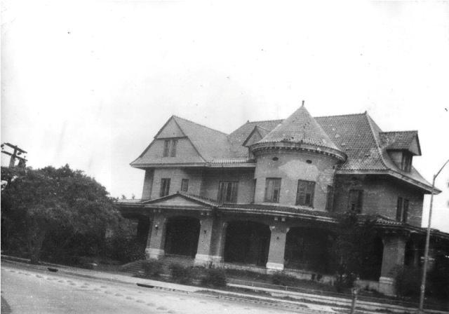 Дом с привидениями. Легенды и факты.
