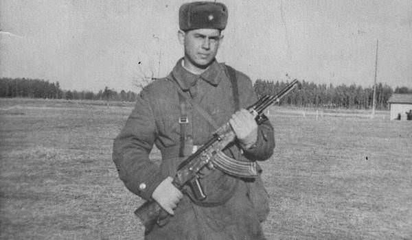 Захаренко Анатолий. Стихи. (Нарокко, разведрота, 1972-1973).