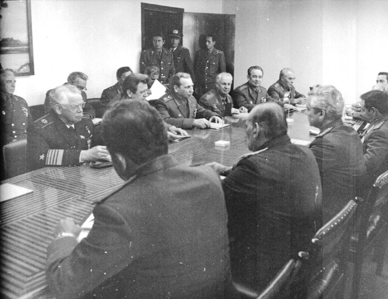 Щеглов Александр. Маршал Советского Союза Н.В. Огарков на Кубе, февраль 1978.