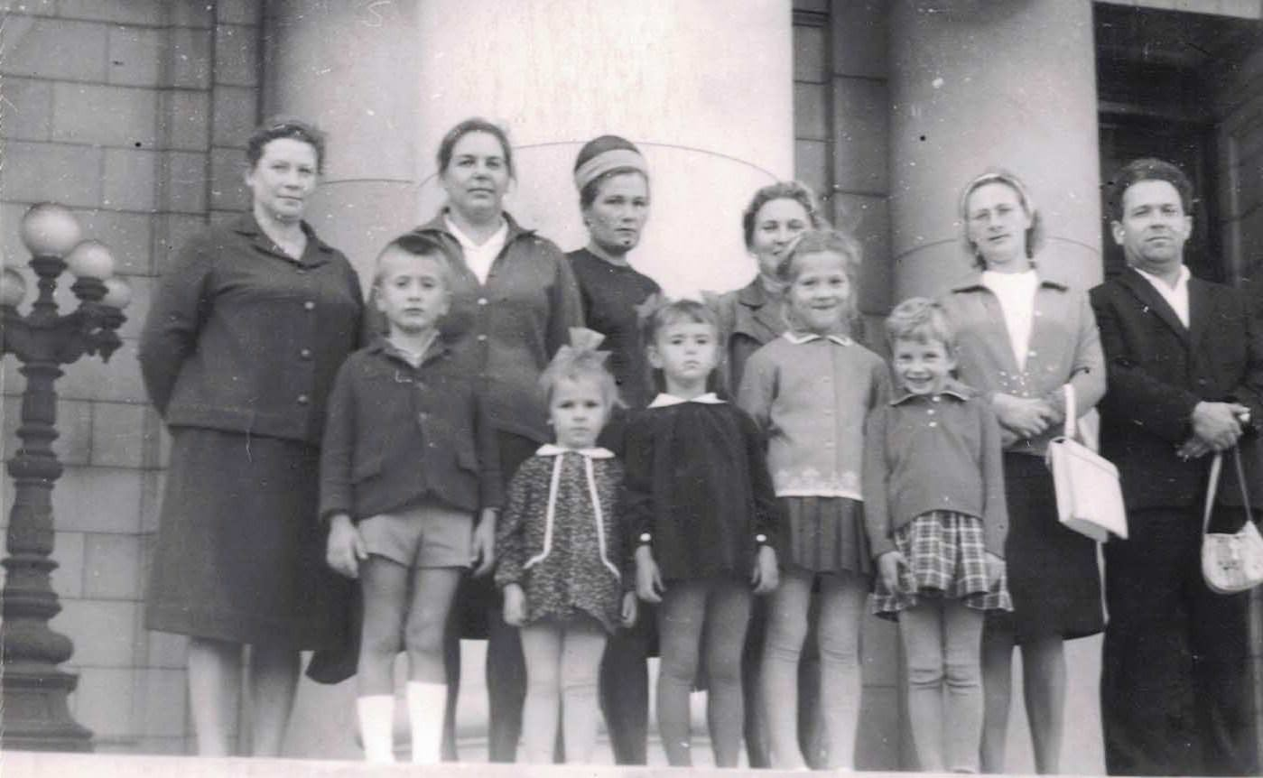 Нарокко 1968-1970. Чернова (Марьета) Татьяна и Никонова (Дмитриевская) Татьяна.
