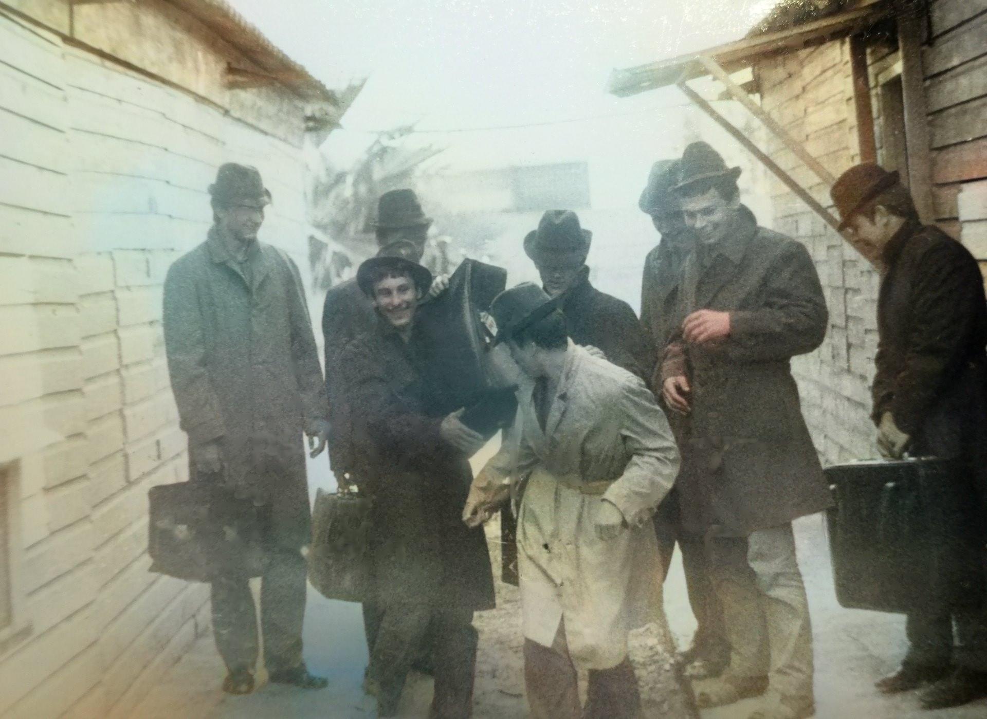 """Углов Игорь. Путешествие на """"Платан""""."""