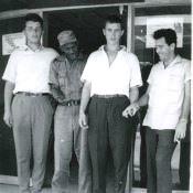 Снимок около банка, один из изображенных - друг Н.Грачева, кубинец Эмилио