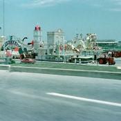 02. Подготовка карос, на берегу канала-входа в порт, у крепости Ла-Пунта (она видна в левом углу кадра).