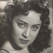 1950. Фото красивой девушки из ночного клуба.
