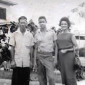 089. Кубинец Хулио Кампос Бланко с родителями