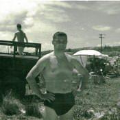 На пляже, июль 1963