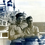 03. В Атлантике. Капитан Барбаков Николай Тихонович слева.