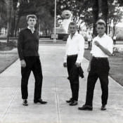 Посещение Гаваны. Со мной  сослуживцы: справа старшина Добровольский (имени не помню), слева солдат тоже из нашей части в Нароке, 1963