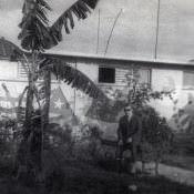 Я жил в бывшей батистовской офицерской школе. Мое окно открыто. Лимонар, 1963