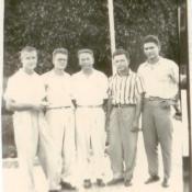 Шарапов Виктор Фролович (3-й слева) с коллегами во время прогулки на Кубе. Республика Куба. 1961-1962 гг.