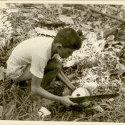 Кубинский мальчик с кокосовым орехом. Республика Куба, г. Гавана. 1961 г. Из фондов  Саратовского областного музея краеведения.