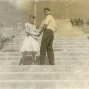 Попов Геннадий Александрович с кубинской девушкой. Республика Куба. 1961 г.