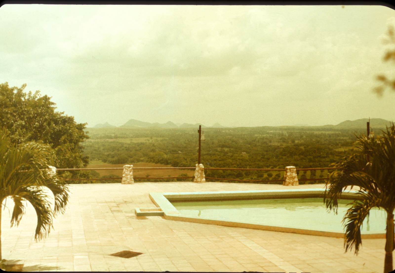 1988. Mirador de Mayabe, окрестности Ольгина, фото 3