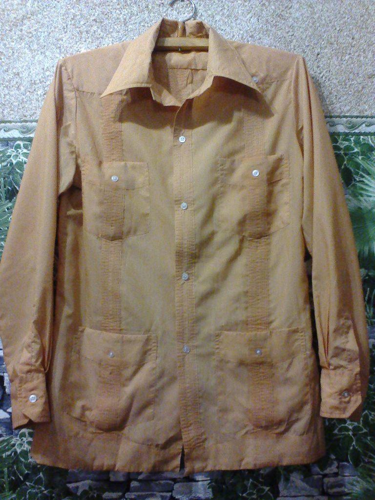 Национальная рубашка «гуаябера»