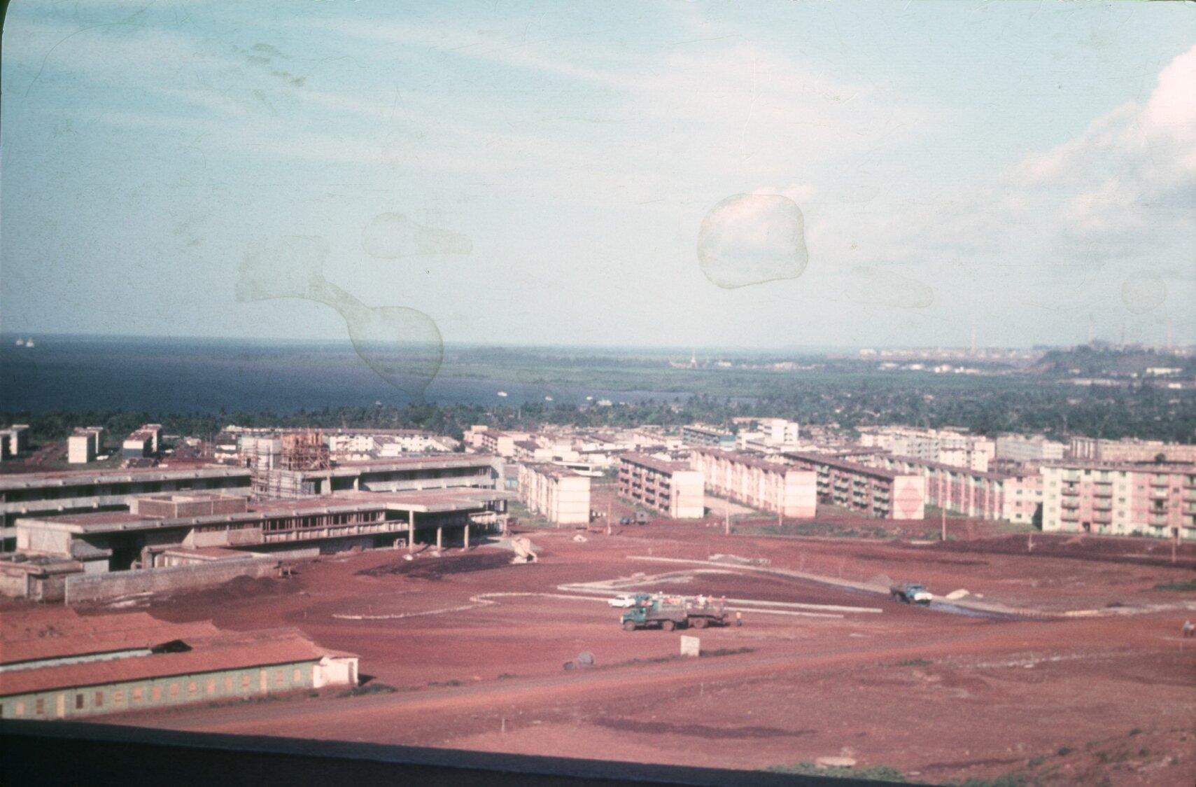 1985. Гостиница Мрафлорес