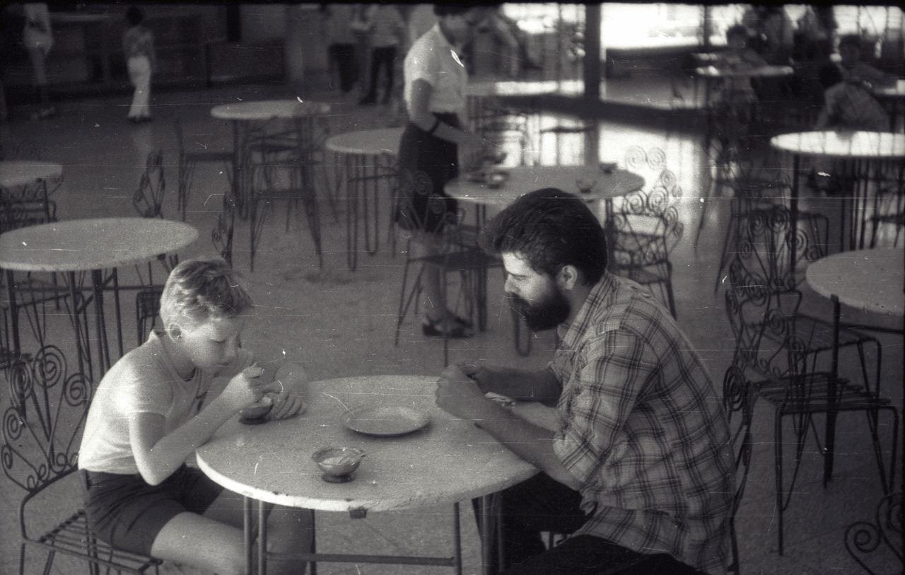Андреев Саша и кубинский друг. Интерклуб в Роло. 1987