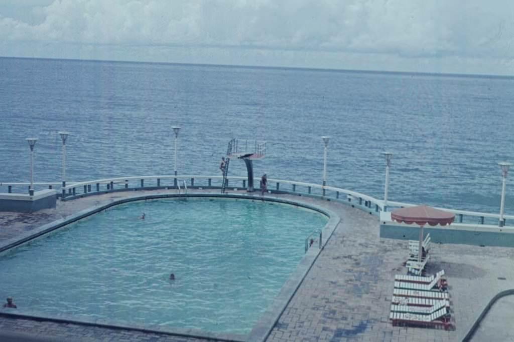 1969. Бассейн гостиницы «Рио Мар»