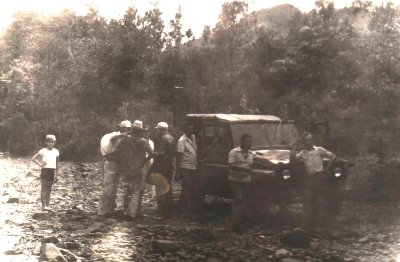 1978-1982. Фото 09. На речке Кайо Гуам