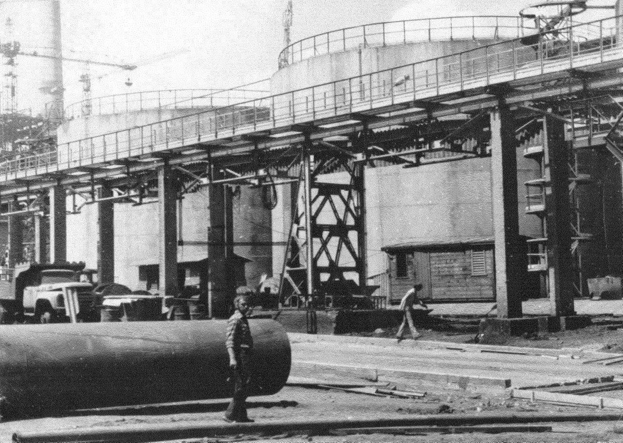 1990. Стройка никелевого завода Лас-Камариокас, фото 3