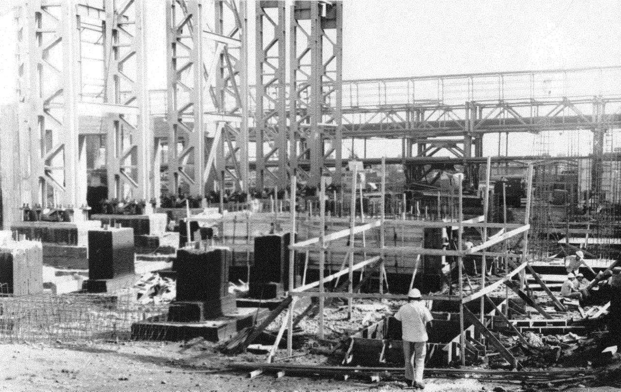 1990. Стройка никелевого завода Лас-Камариокас, фото 24