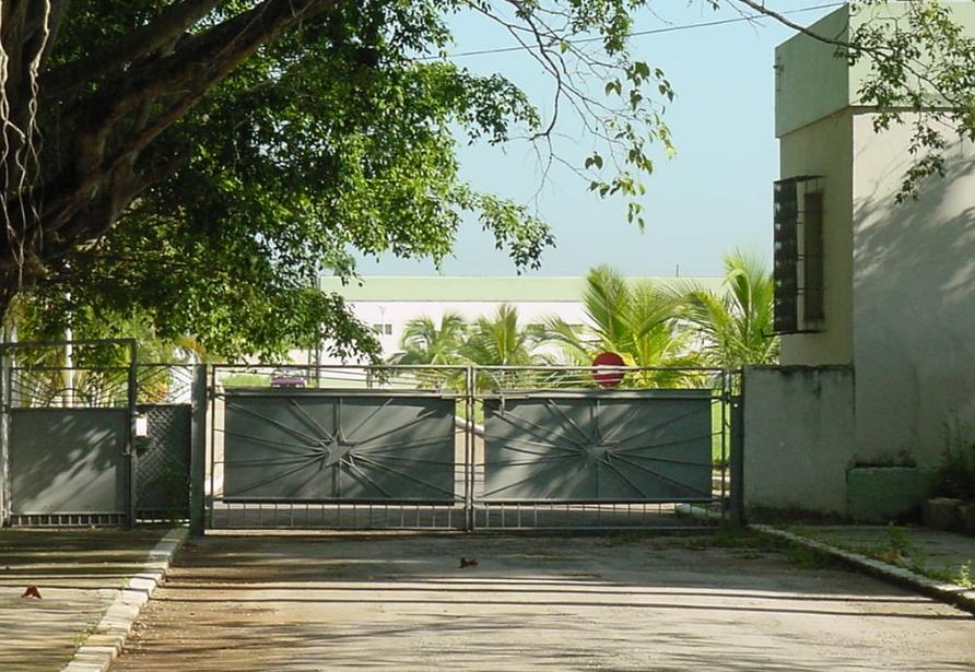 """Ворота - выход из """"Пальмы"""" в сторону столовой батальона"""