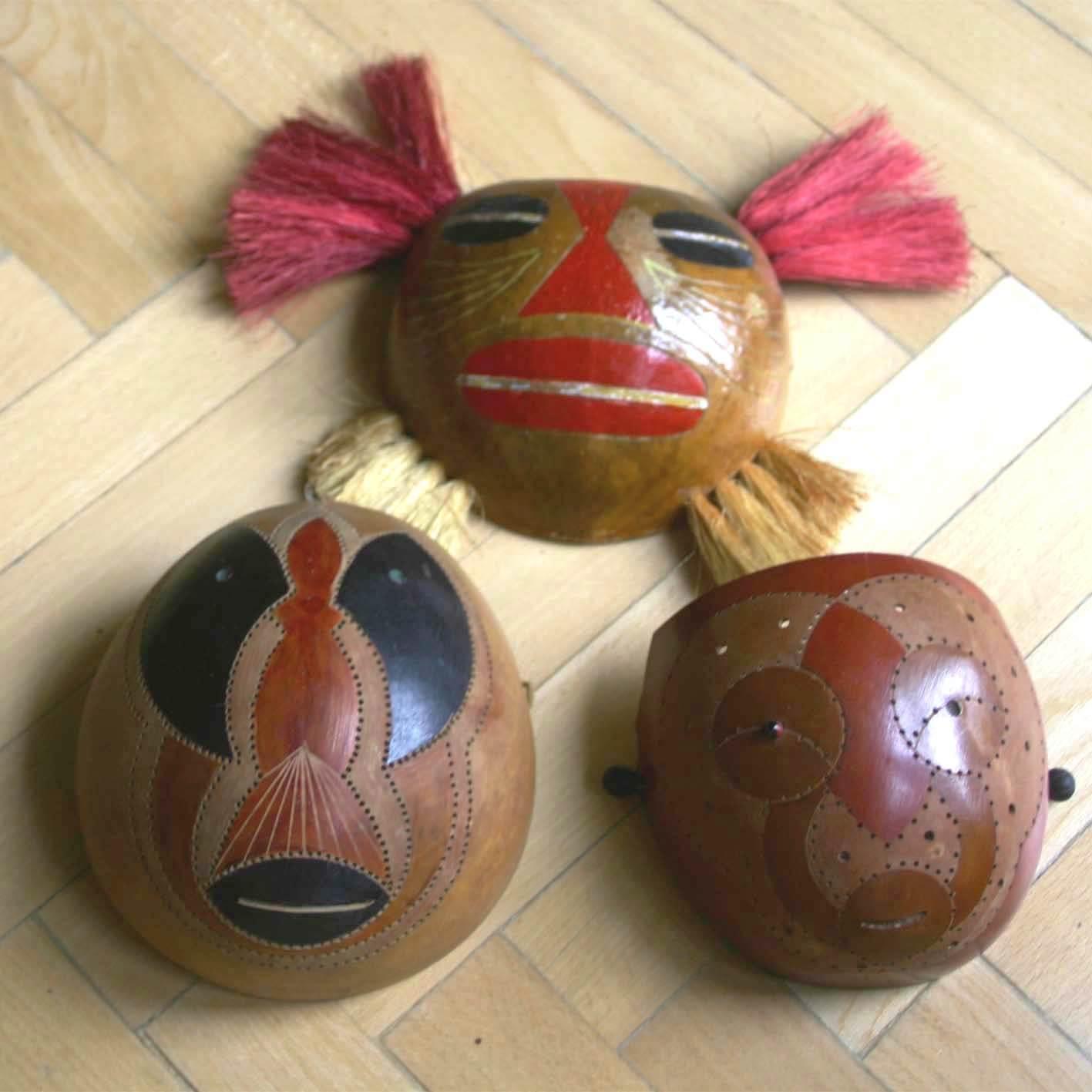 Три деревянные маски