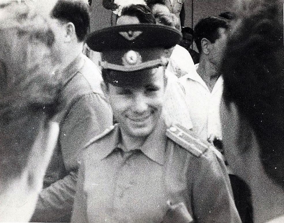 1963, 10-11 октября. Юрий Гагарин в аэропорту Гаваны