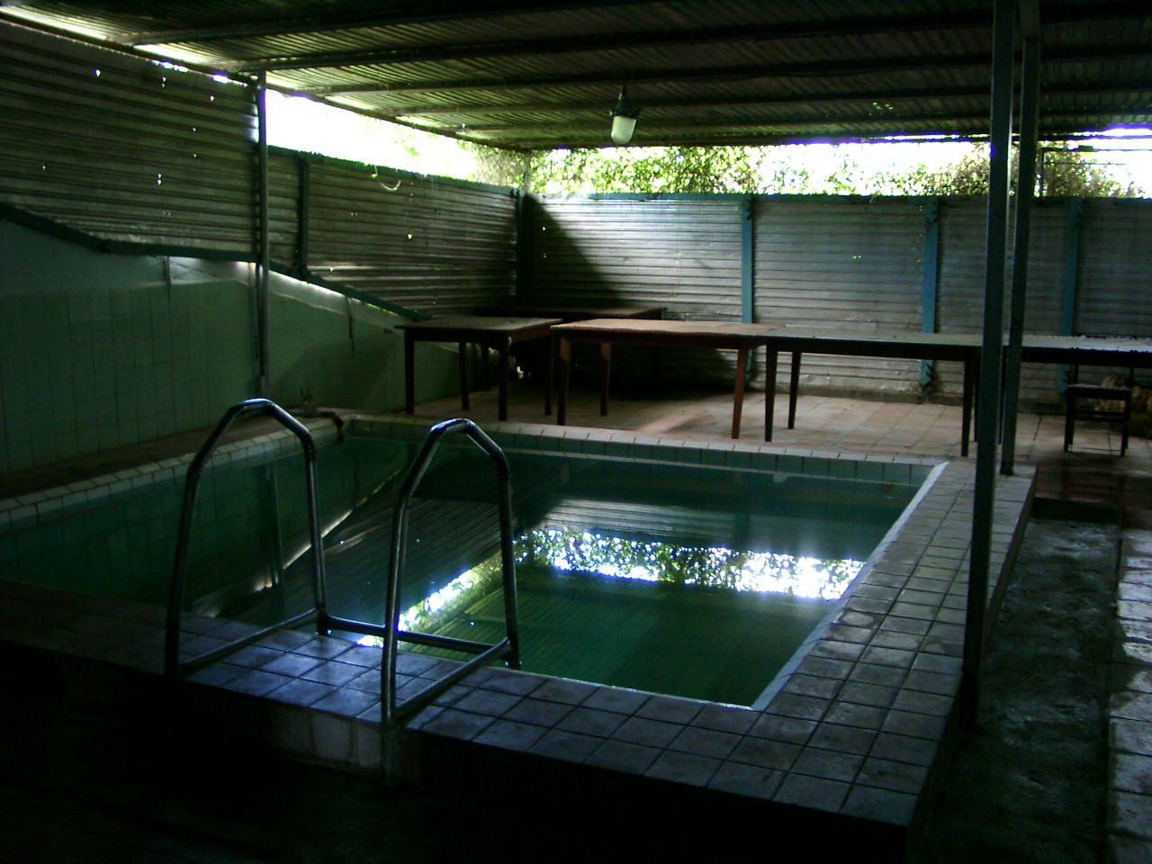 Маленький бассейн в бане артдивизиона