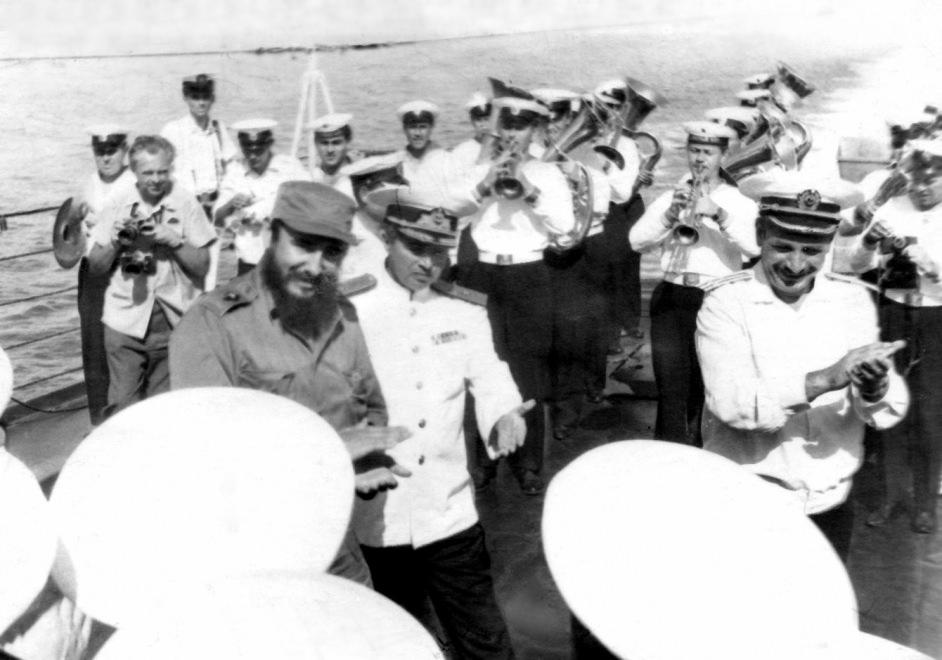 1969-07-20. Знакомство Фиделя с командой крейсера «Грозный»