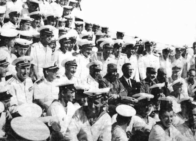 1969-07-20. На переднем плане Фидель, Освальдо Дортикос и Рауль Кастро