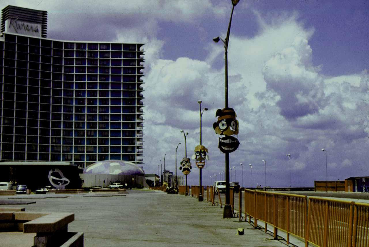 1980. Набережная Малекон во время проведения карнавала.