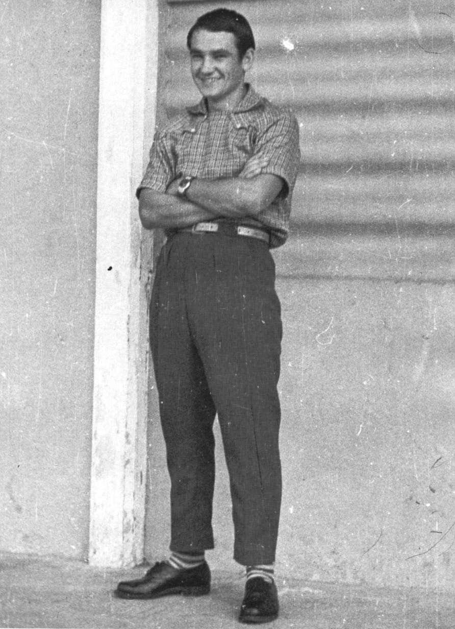 10. Кадышев В.Д. в повседневной форме, когда не занят по службе около своей казармы