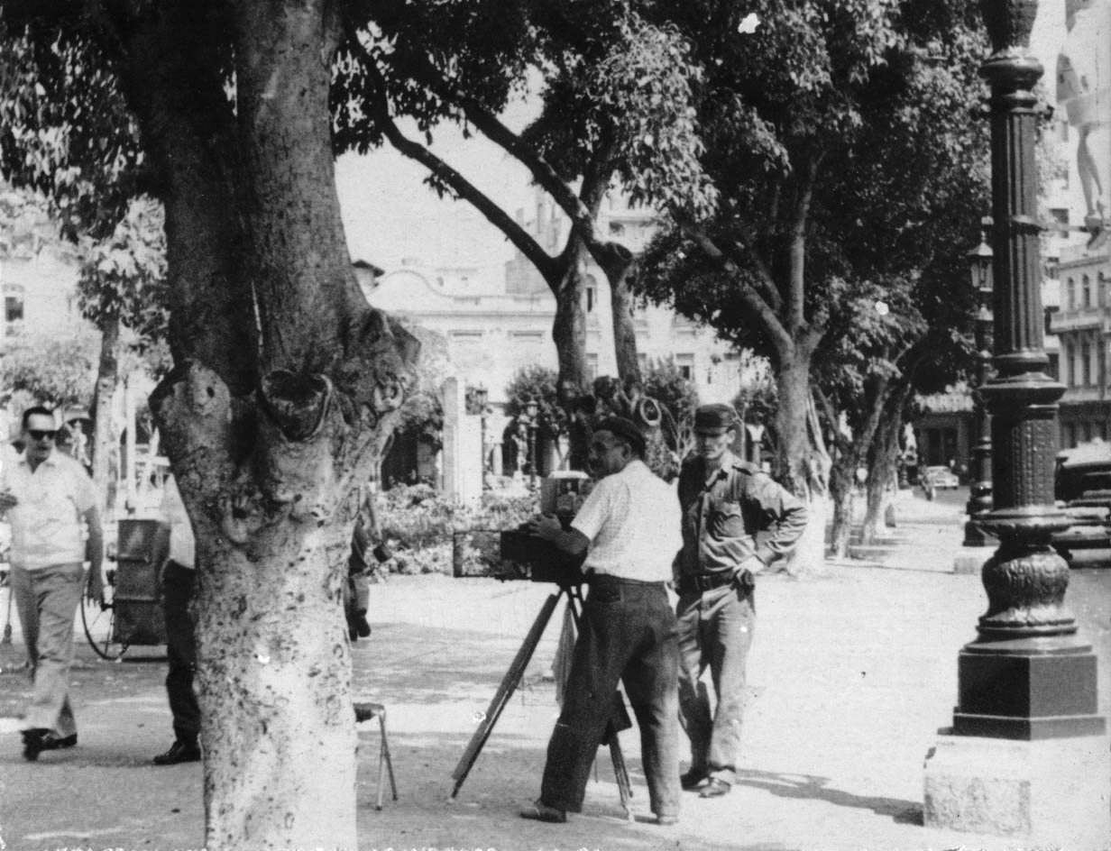 49. Фотограф в Гаване