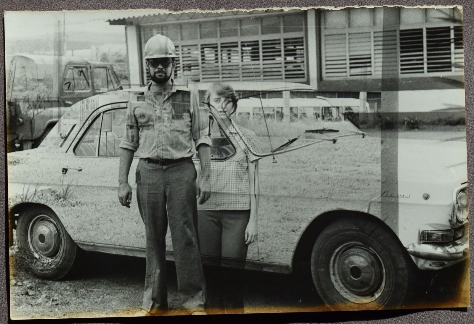 1981-1982. Фото 14. На фоне «Волги», девушка - москвичка-переводчица Чурляева